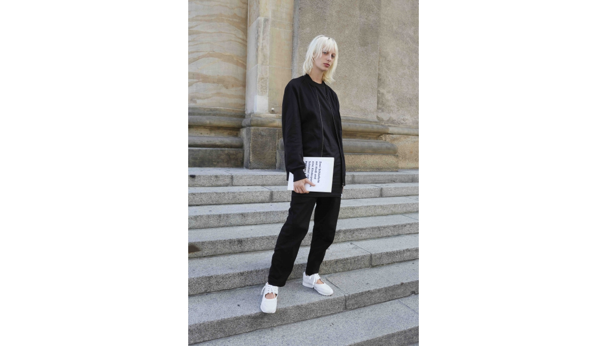 adidas Originals EQT系列模特兒情境照 Lili Sumner_adidas Originals EQT RACING W(女...