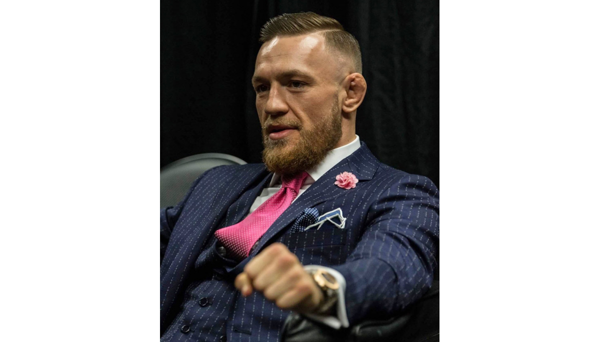 conor-mcgregor-fuck-you-suit-3
