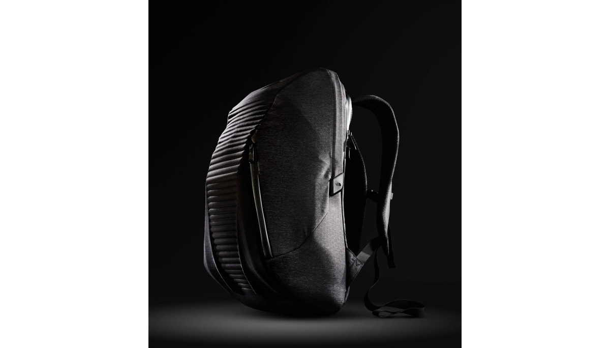 【The North Face ACCESS PACK】The North Face ACCESS PACK榮獲2016紅點設計大獎的殊榮,除了承襲著品牌強大的 Outdoor DNA,更融入近年來蔚